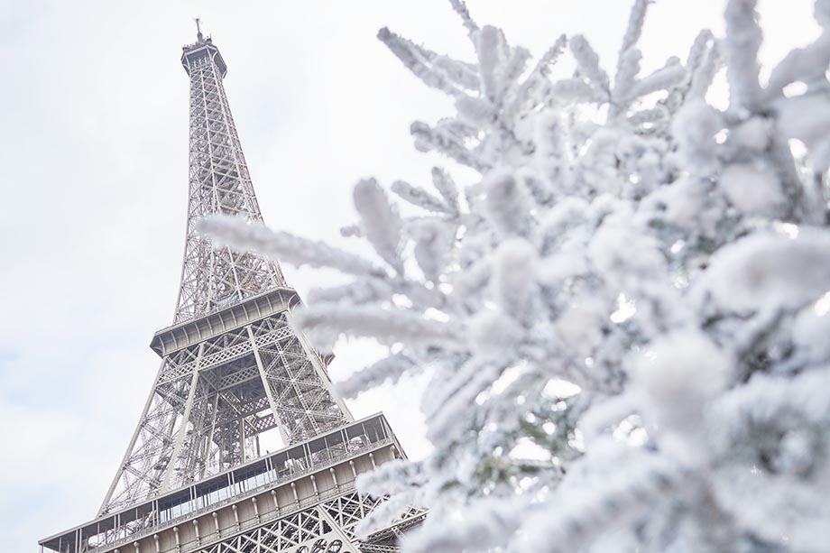 paris winter, eiffel tower snow